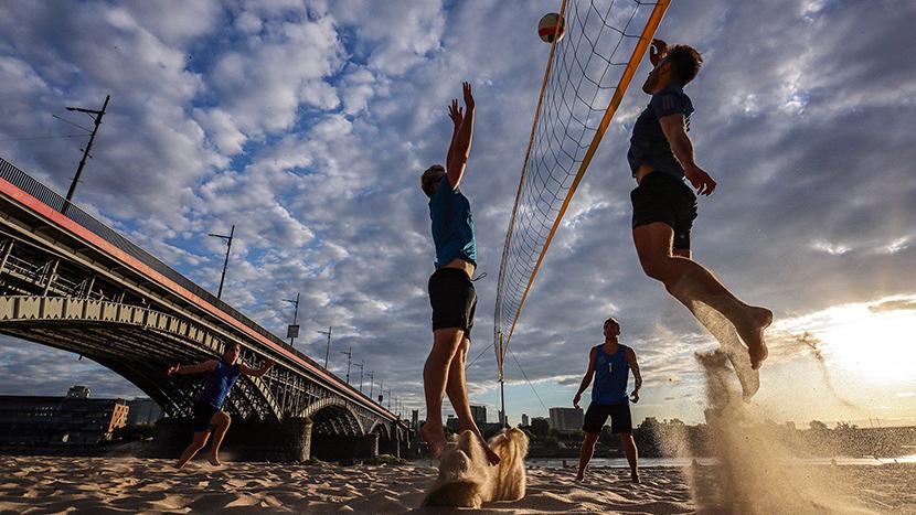 eos-m6-mark-ii-sample-beach-volleyball-action-sunset-95834100-b1d5-11e9-9e5d-b083fe875d50 (1)