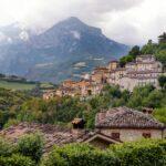 Montefortino e il Monte Priora sullo sfondo