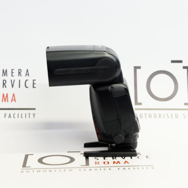 Canon EOS Speedlite 600 EX-RT lato